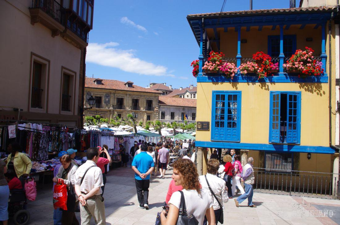 Entrando a la plaza de Fontán.