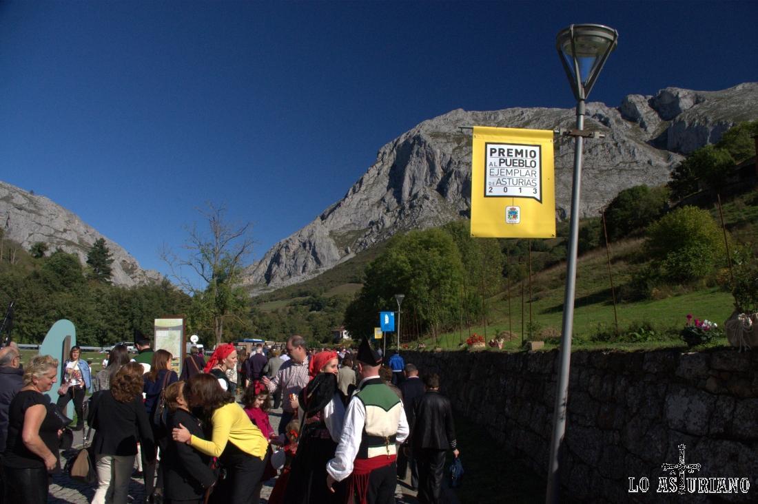 Comunidad vecinal de Teverga, premio Pueblo Ejemplar de Asturias 2013.