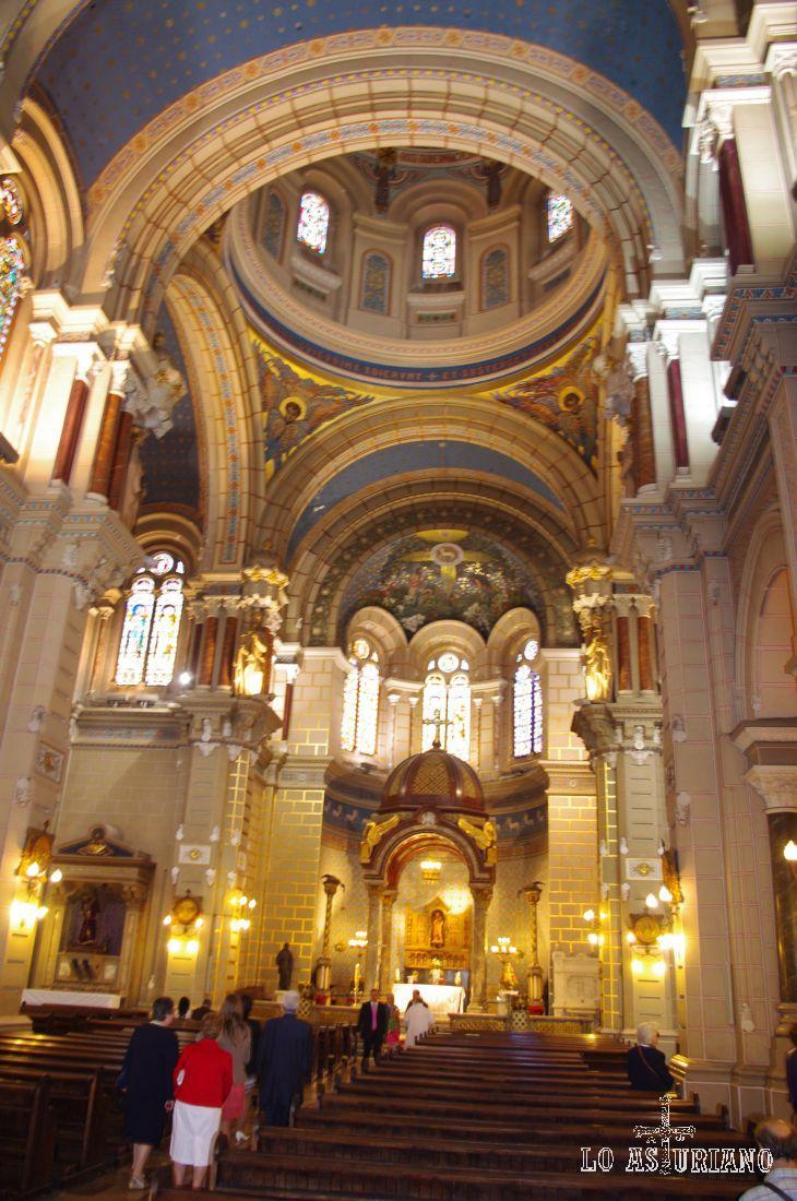 Es o no precioso el interior de la iglesia de San Juan el Real?