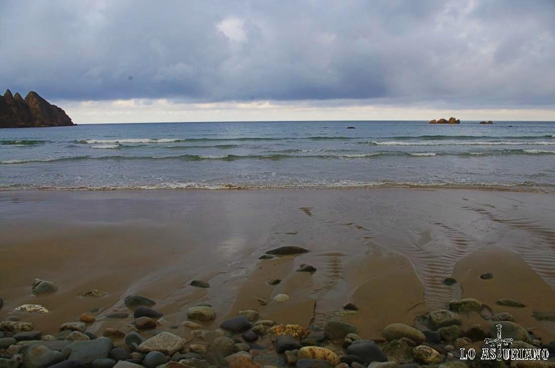 Movimiento de las mareas en la playa de Aguilar.