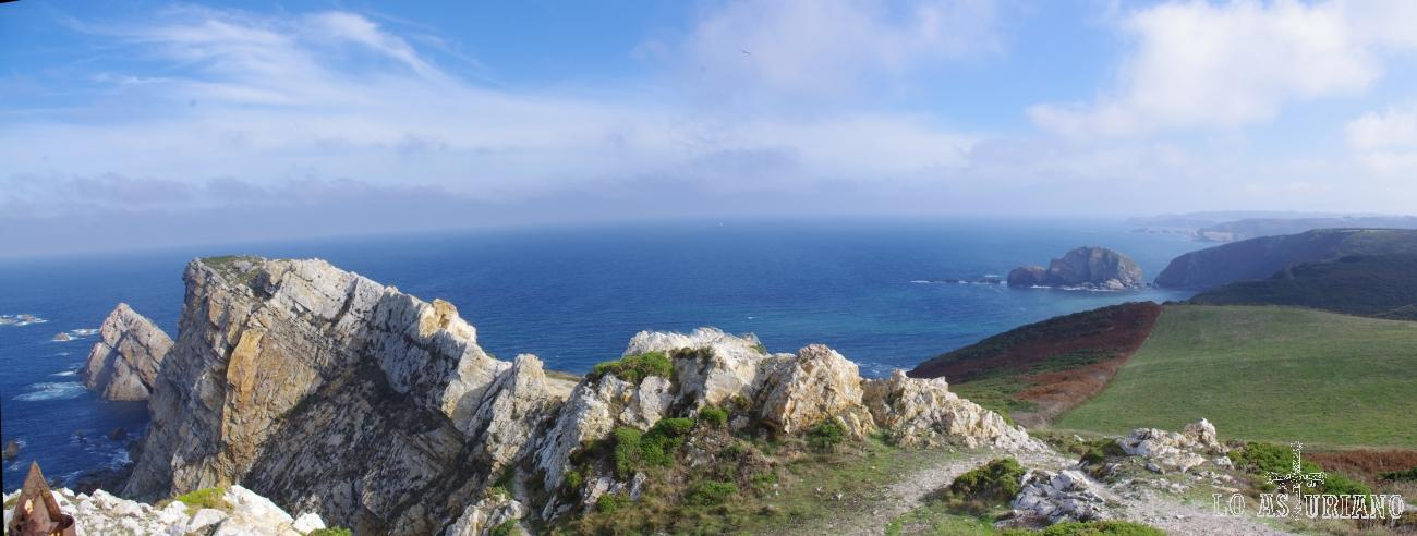 Panorámica desde el Cabo de Peñas.