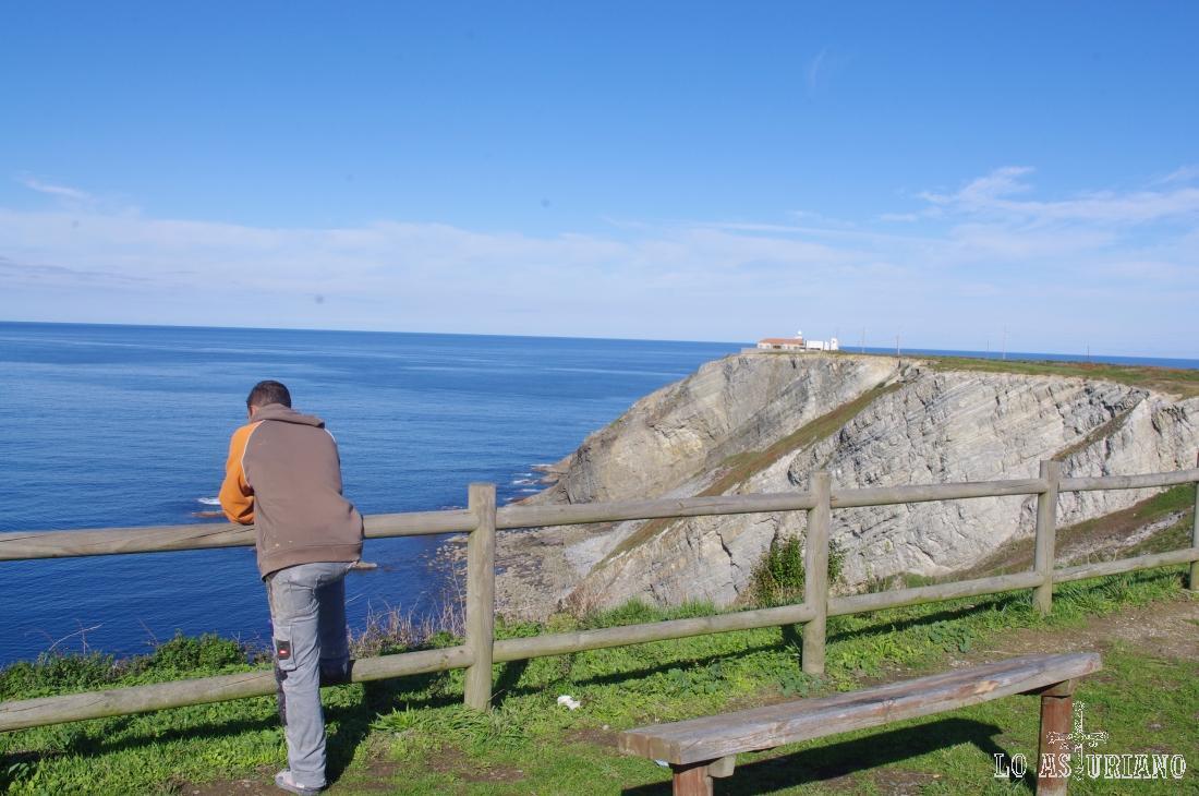 En el Cabo de Vidio tenemos el último faro realizado en Asturias.