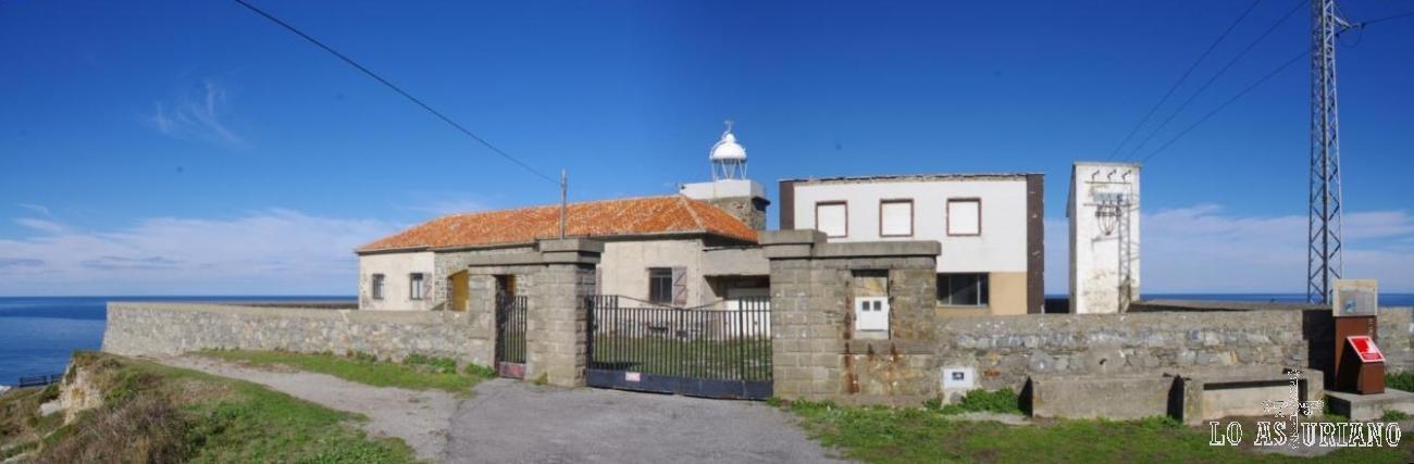 Faro del Cabo de Vidio, en el concejo asturiano de Cudillero.