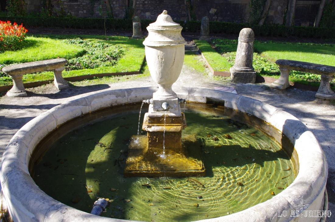 Fuente en el parque Francés de Avilés.