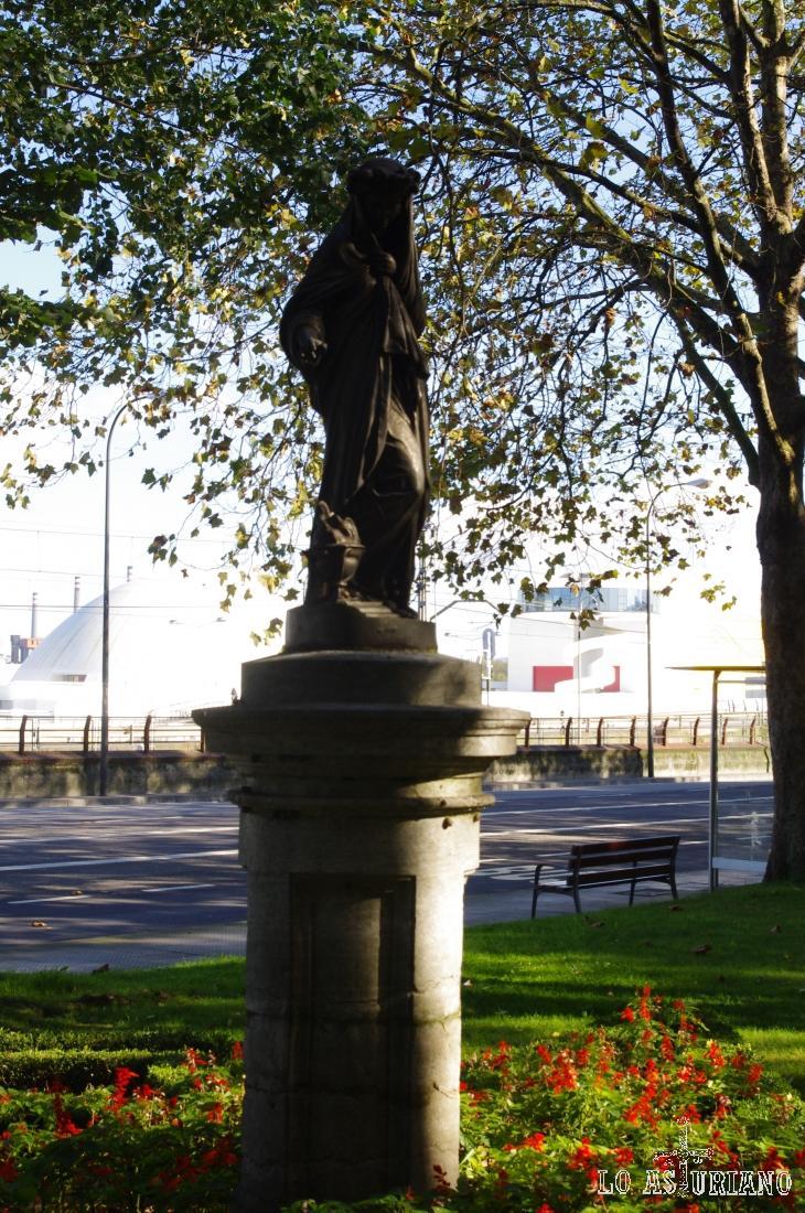 Estatua en la calle del Muelle, de Avilés.