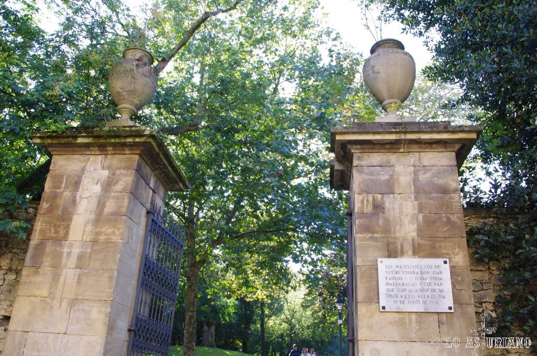 El 19 de mayo de 1976, sus Majestades los Reyes, inauguraron este parque Ferrera de Avilés.