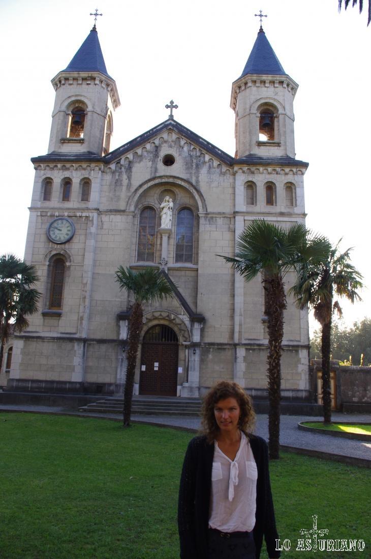 La iglesia de Jesús Nazareno en El Pito, Cudillero, se construyó dentro del estilo románico del siglo XII