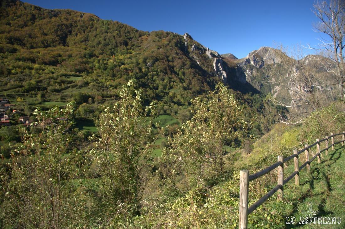 Mirador del valle del Sousas, que hay en la subida hacia Valle de Lago.