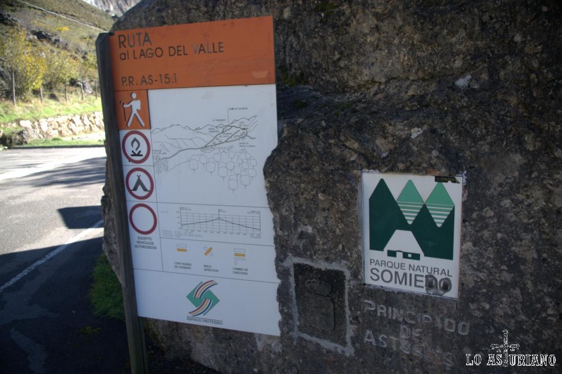 Esta es la pancarta del PR AS 15 1, que es la subida al Lago del Valle.