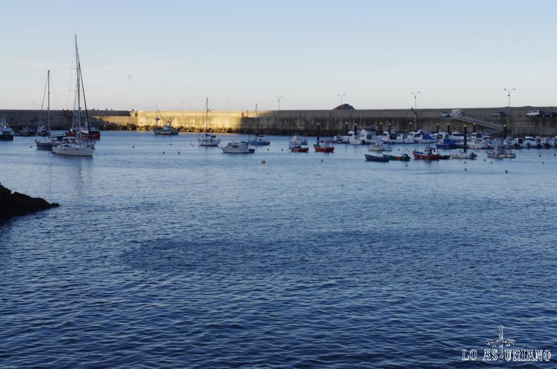 Barcos en el puerto de Cudillero.