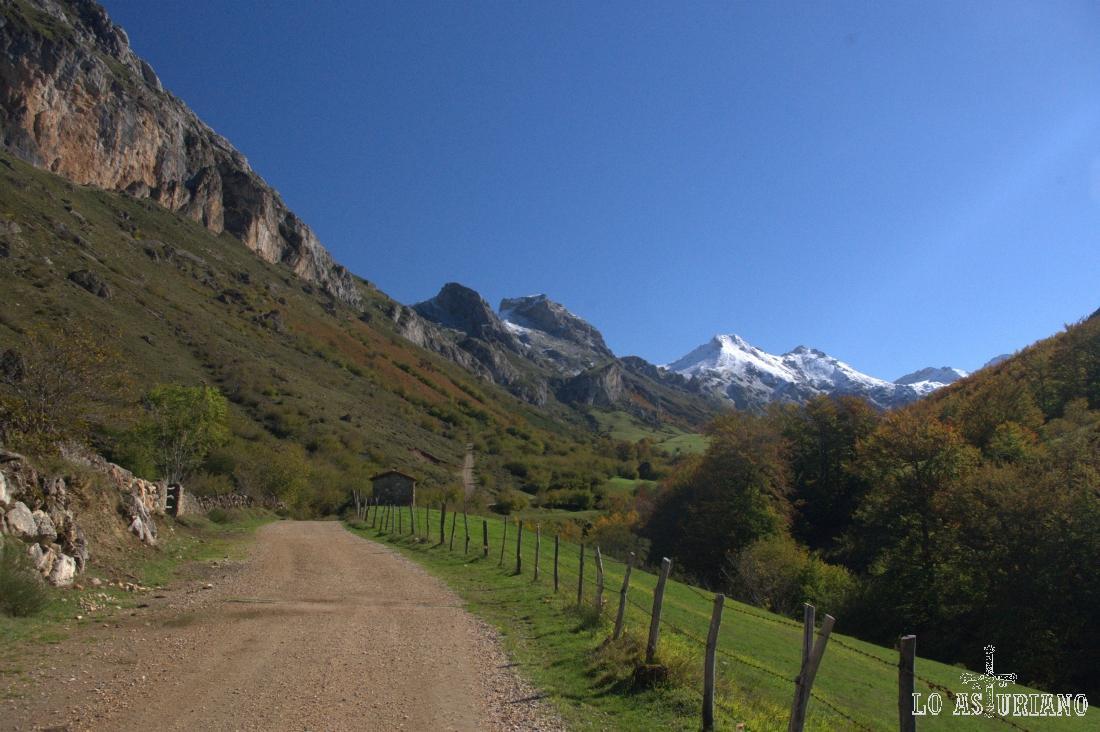 Preciosas vistas del valle, en este siempre espectacular Somiedo.