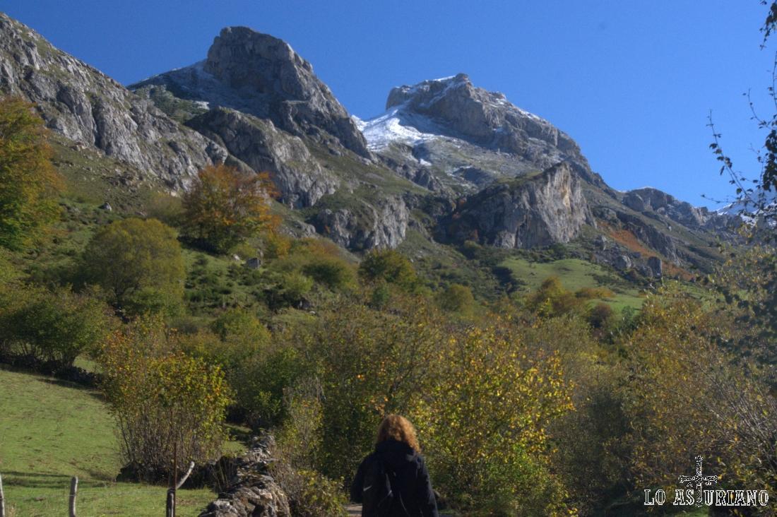 Pico la Minga y Cueva Camayor