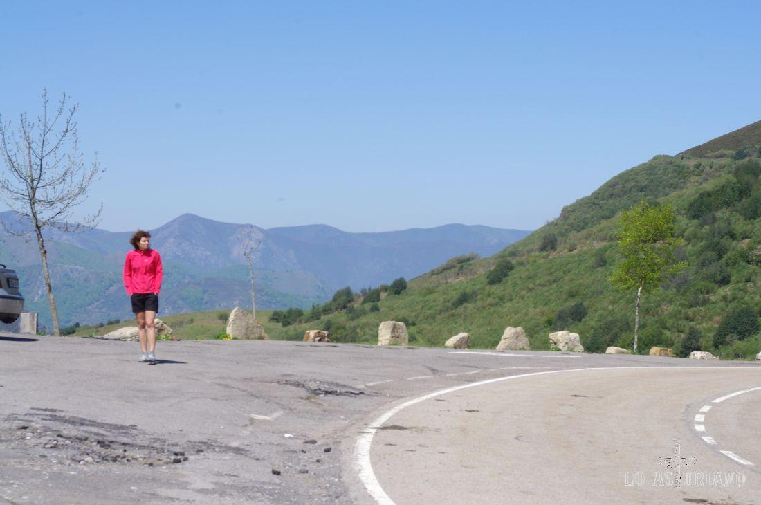 Desde el alto de San Lorenzo, a 1360 msnm, nos preparamos para adentrarnos en el maravilloso Parque Natural de Somiedo.