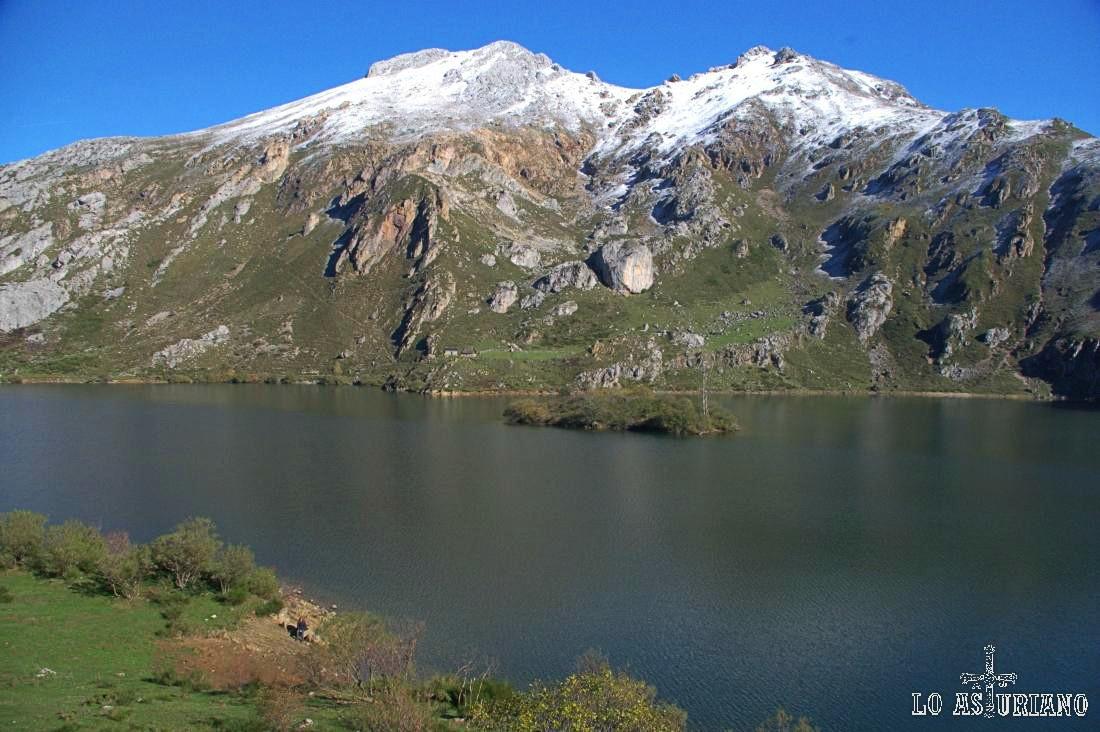 El precioso Valle del Lago, en Somiedo.