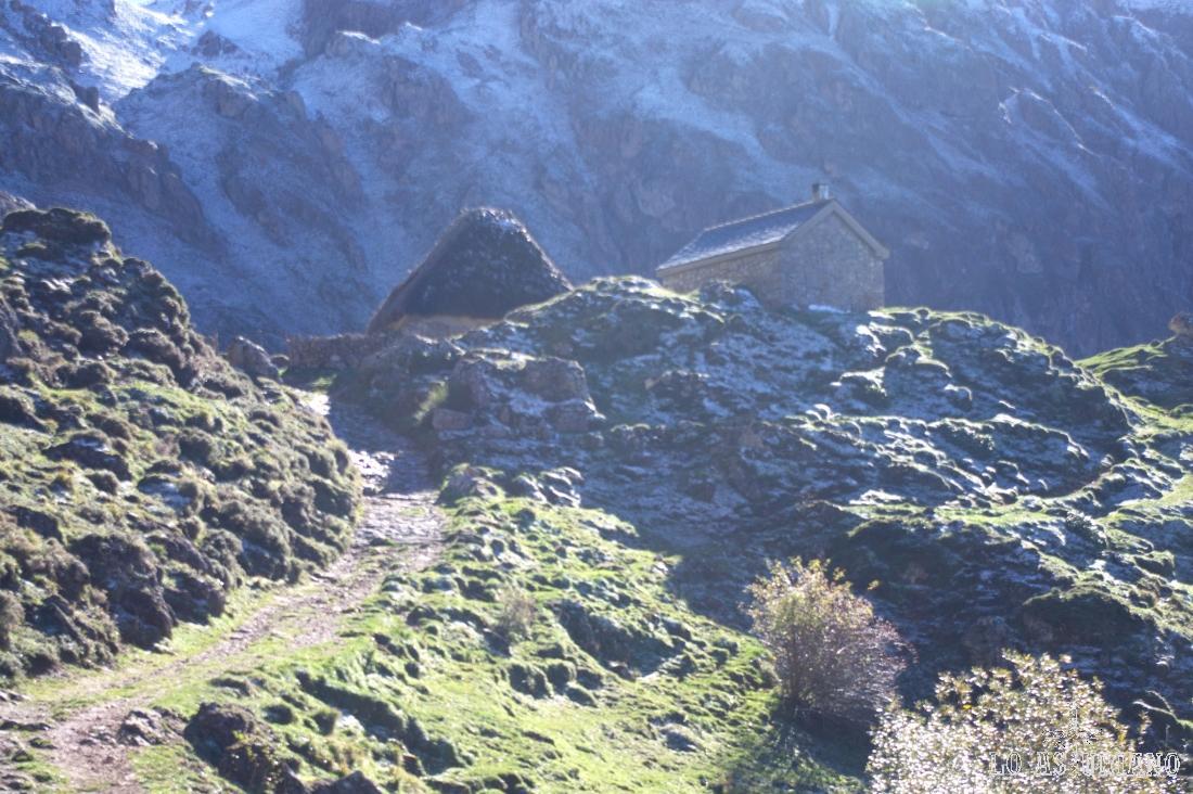 La cabaña Cobraba; muy cerca hay una fuente, llamada las Overnas.