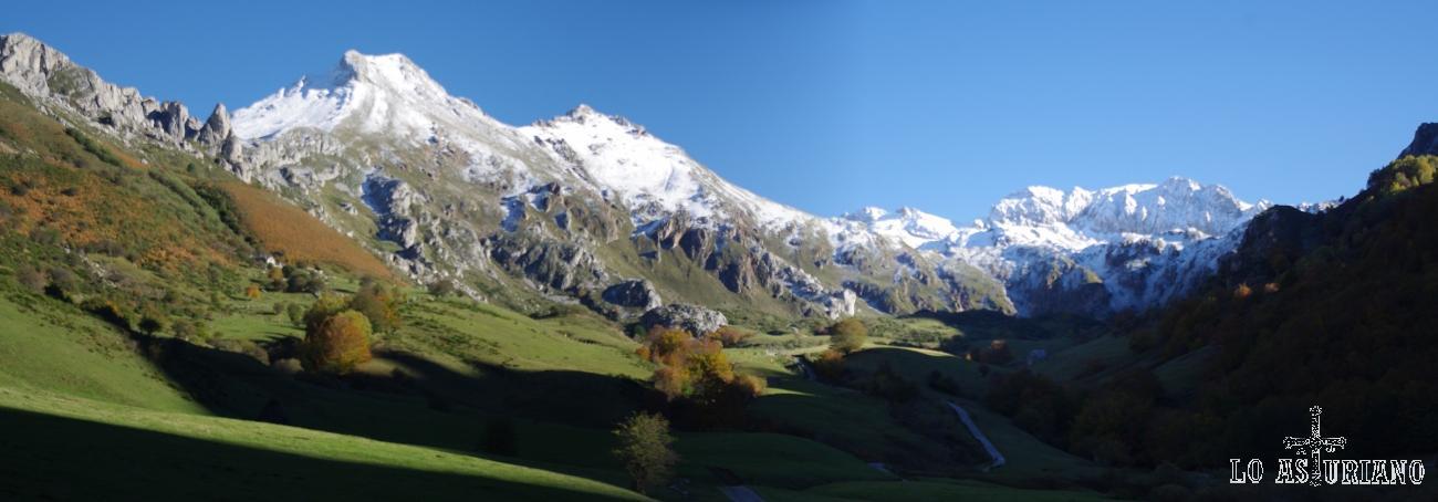 Panorámica del Valle del Lago, en el que podemos ver, de izd a dcha, Pico Albo Occidental, Pico Rubio, el Pedregal y Peña Orniz.