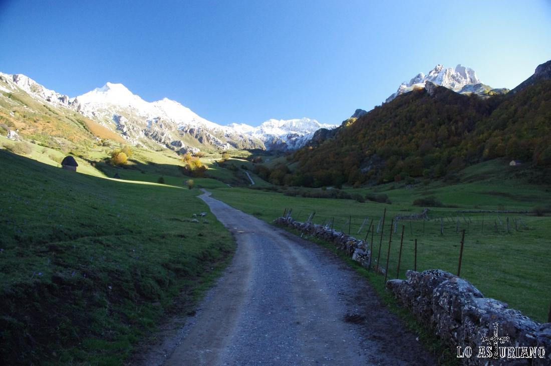 La ruta del lago del Valle es posible realizarla en cualquier época del año.