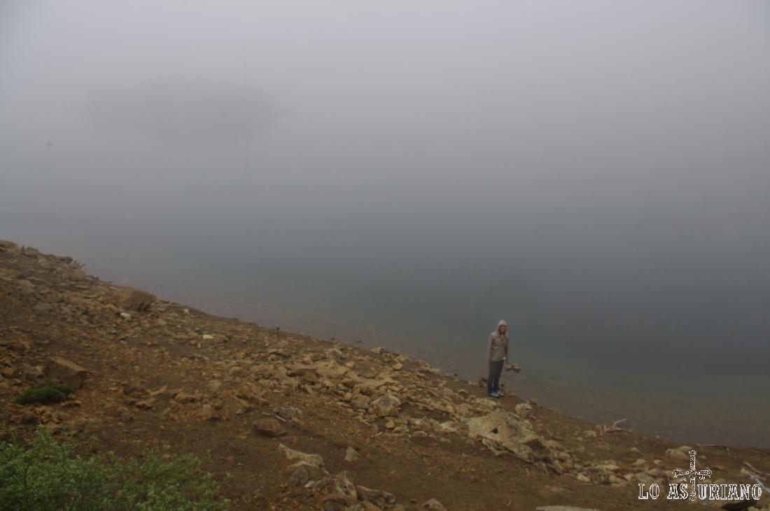 En la primavera es habitual que la niebla nos impida ver el lago, pero que en 20 minutos, quede despejado a la vista.