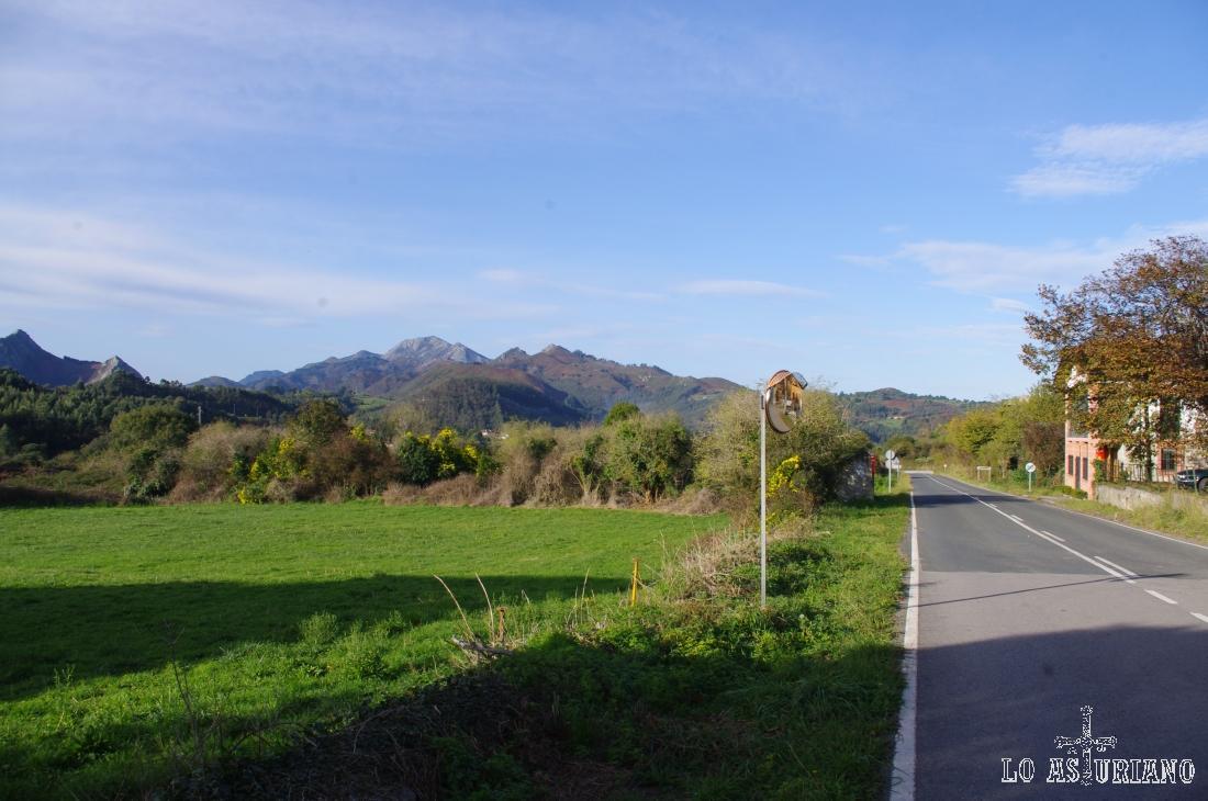 La Sierra del Sueve desde San Esteban de Leces, concejo de Ribadesella.