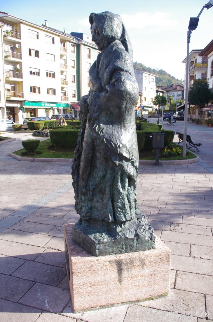 Vieja asturiana, de Sebastián Miranda.