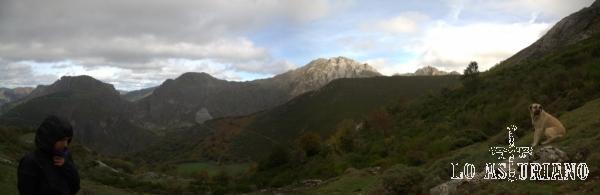 Precioso paisaje, idílico, pero en una tarde ventosa y fría, en las montañas de Somiedo.