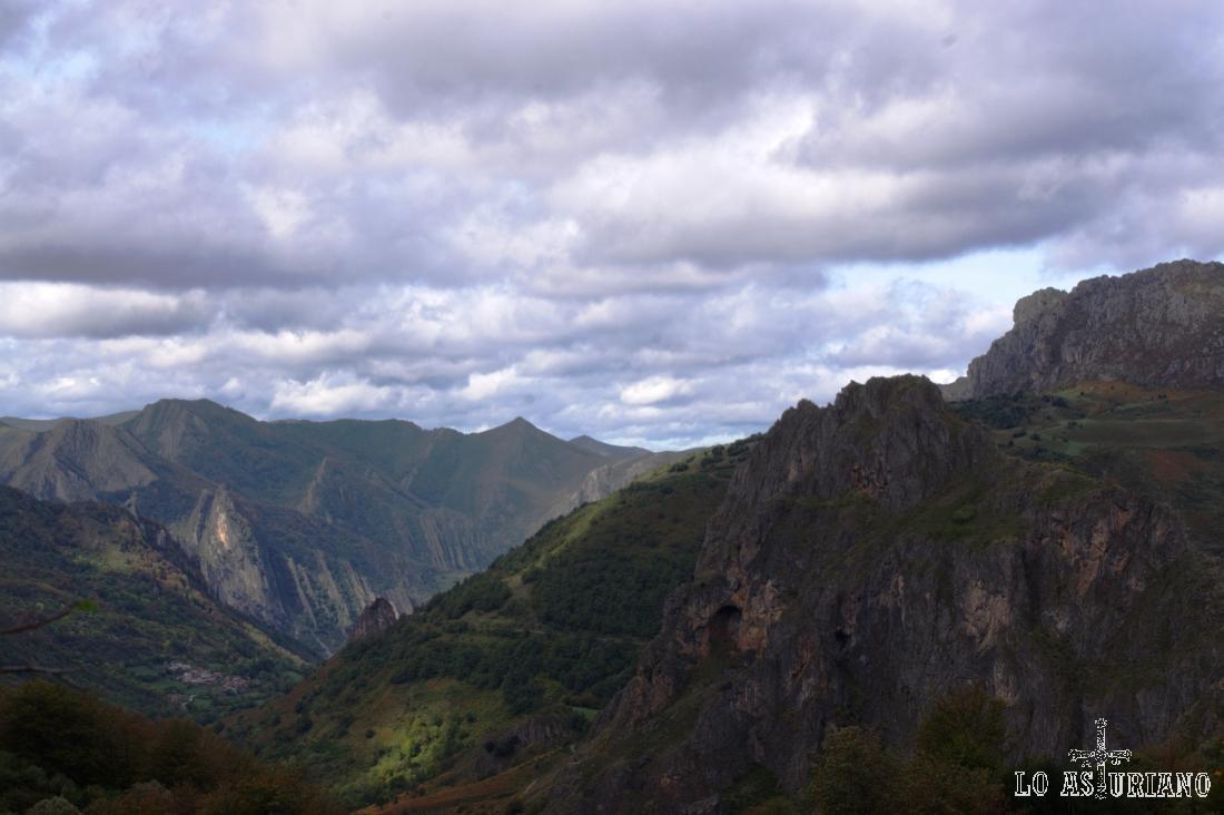 Paisajes en el valle de Sousas.