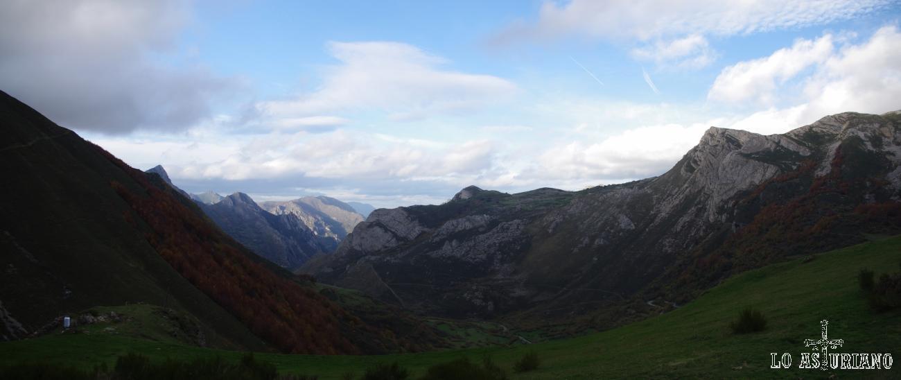 Vistas noroeste desde el mirador del Príncipe de La Peral, en Somiedo.