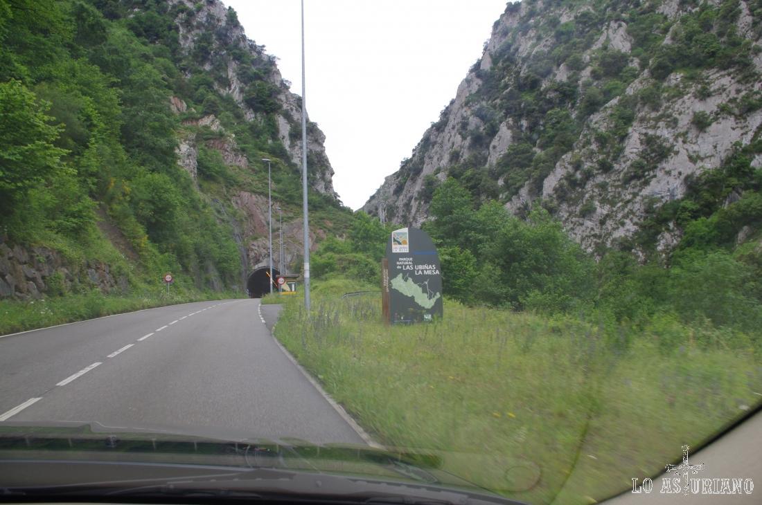 Entrada al Parque Natural de las Ubiñas la Mesa por Teverga, Asturias.