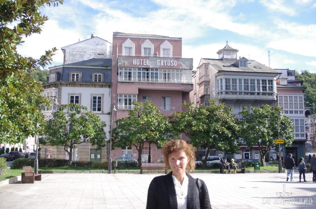 """Plaza Alfonso X, """"El Sabio"""", 1, en Luarca."""