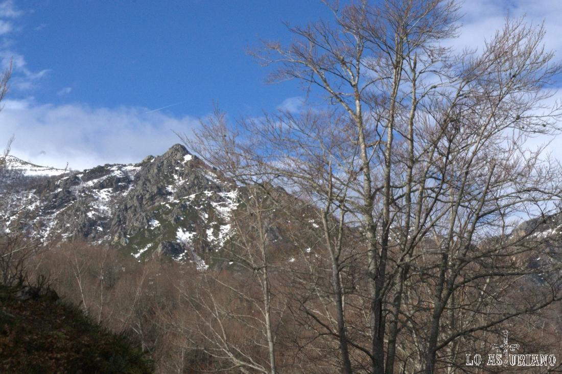 Estribaciones del monte Braniecha.